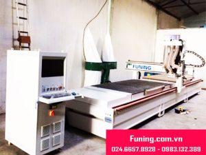 Máy CNC khoan cắt 2 mặt bàn Funing